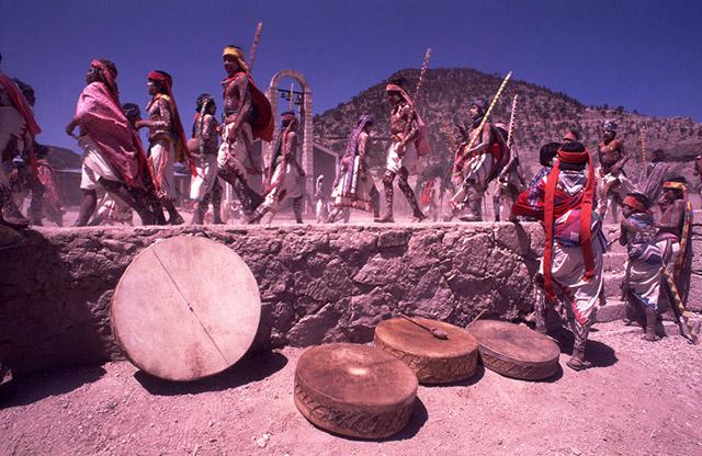Удивительные факты из жизни могучего мексиканского племени Тараумара, 20 фото