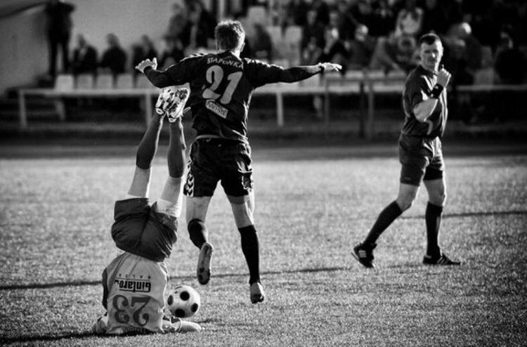 Удачный кадр: 50 самых смешных моментов в футболе