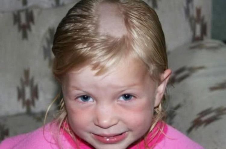 Сам себе парикмахер: 50 смешных фото детей, которые решили постричься сами