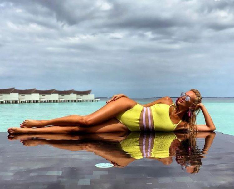 zvozdy v bikini Victoria Lopyreva