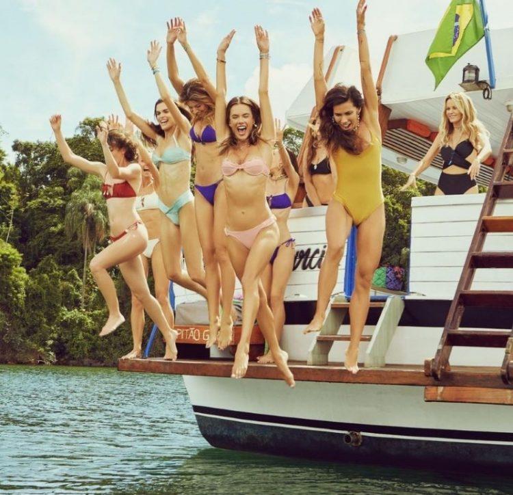 zvozdy v bikini Alessandra Ambrosio in Rio de Janeiro