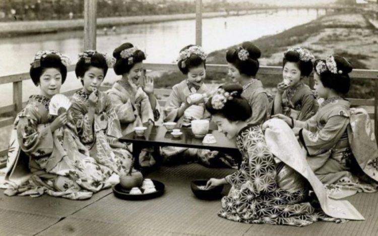Реальная жизнь японских гейш на старинных фото